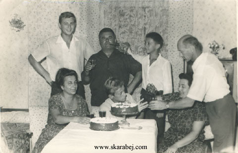 Skarabej - at the table